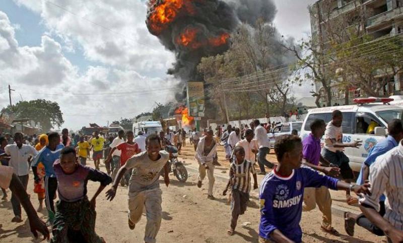 В столице Сомали Могадишо прогремели два взрыва, в результате которых погибли по меньшей мере 11 человек