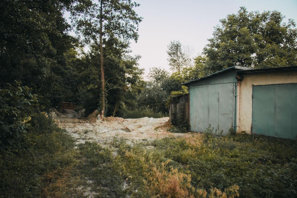Во вторник, 11 июня, в Голосеевском районе Киева обнаружили бездыханное тело мужчины