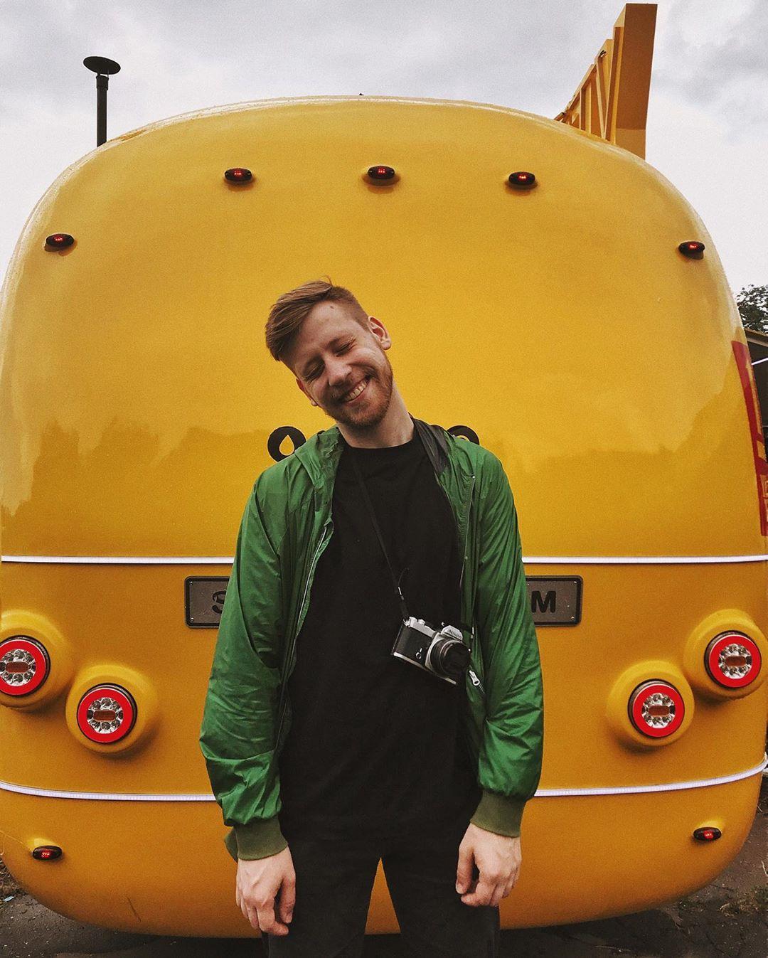 Это, конечно, не Yellow Submarine, но @kraskoe все равно остался доволен. А как по другому, когда вокруг любимые исполнители