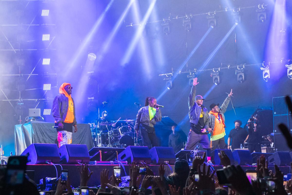 У них сменилась вокалистка, но это абсолютно не поменяло их умение зажигать миллионы сердец!