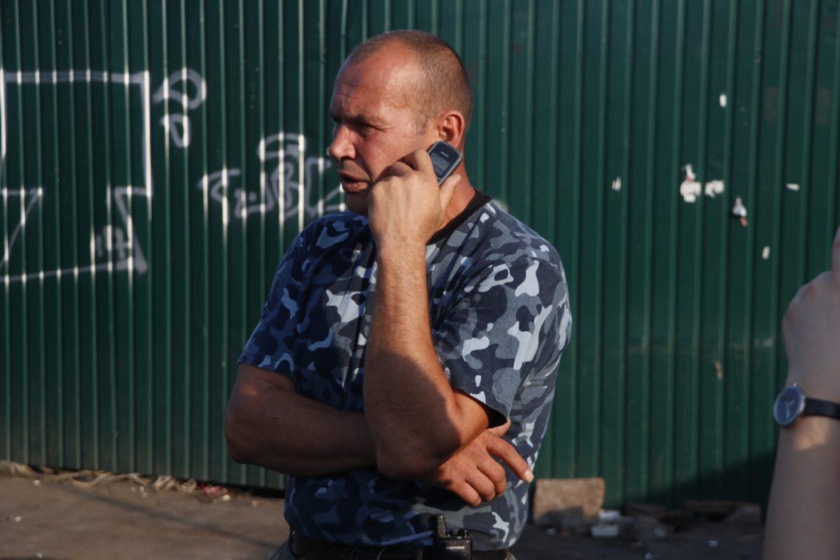 Охранник стройки рассказал, что в интернете можно найти предупреждение о временных изменениях