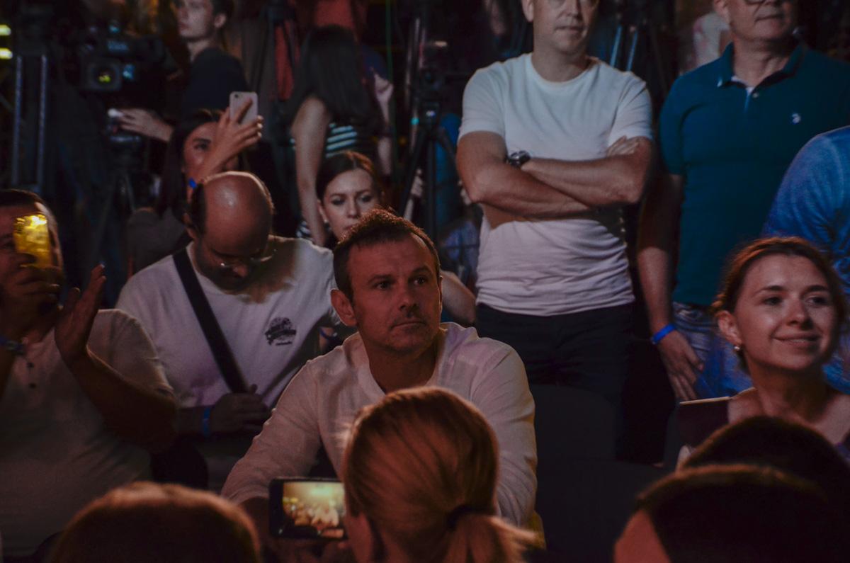 """Руководитель """"Голоса"""" Святослав Вакарчук приехал в штаб за полчаса до закрытия избирательных участков"""