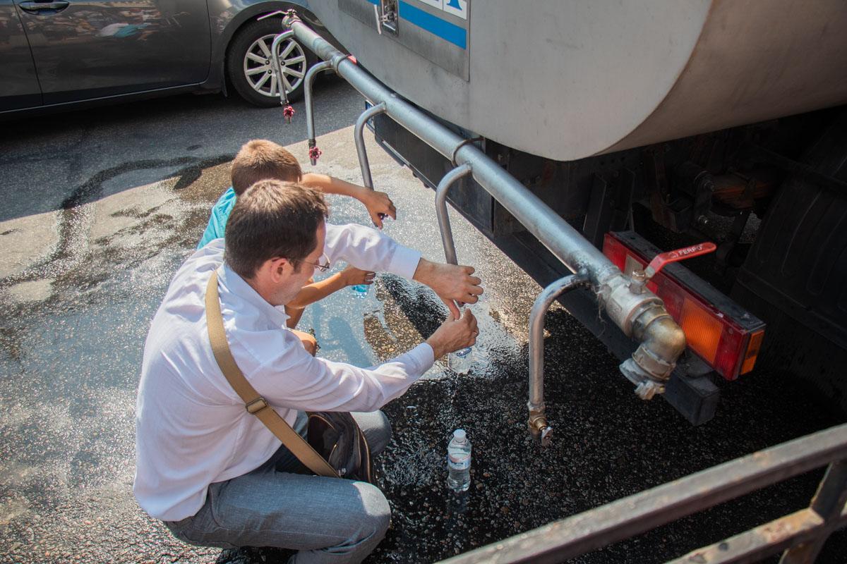 У Киево-Печерской лавры можно было набрать воду