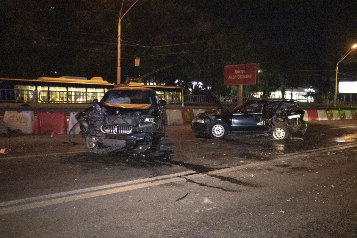 Обе машины серьезно разбиты
