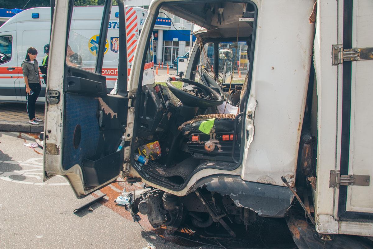В результате аварии пострадал только водитель MAN