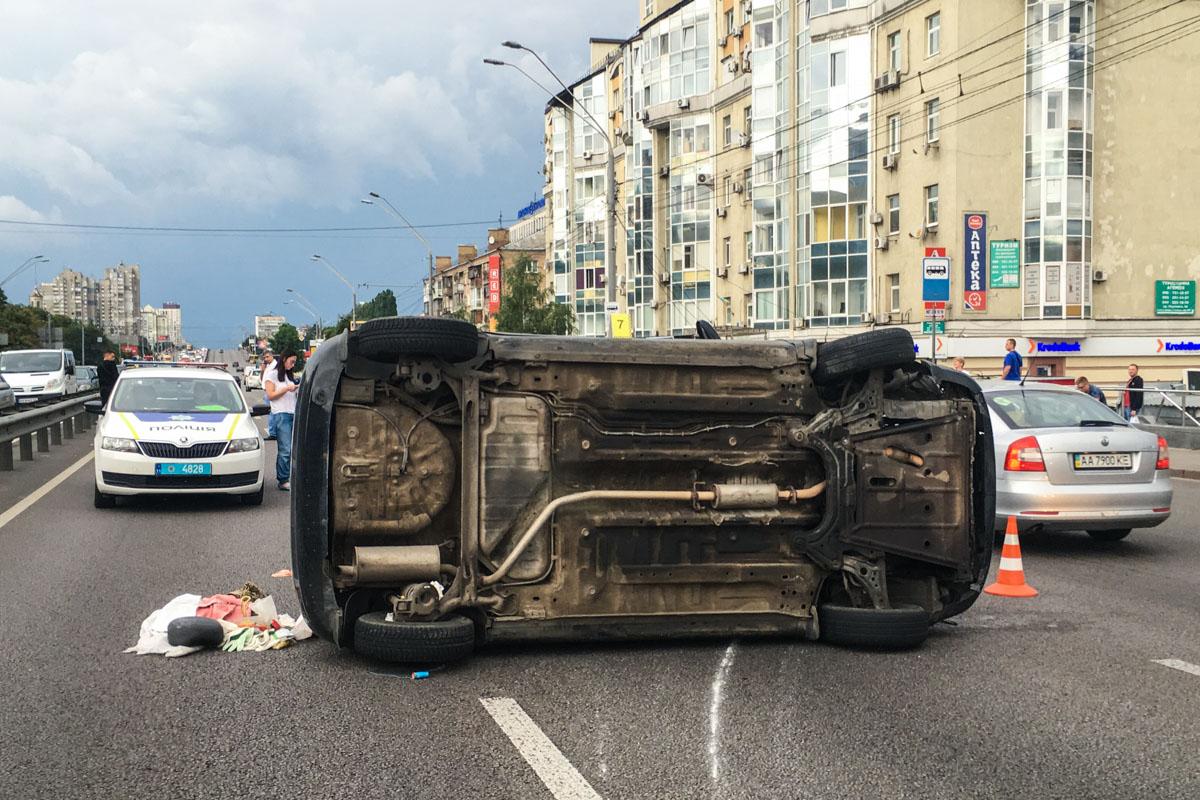 В результате аварии серьёзно пострадал водитель Chevrolet