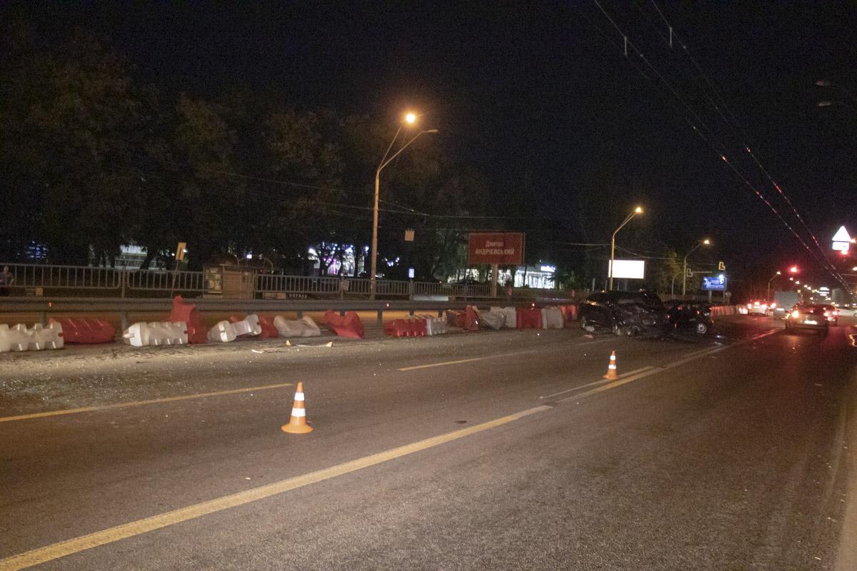 На проспекте Победы на скорости столкнулись Audi и BMW