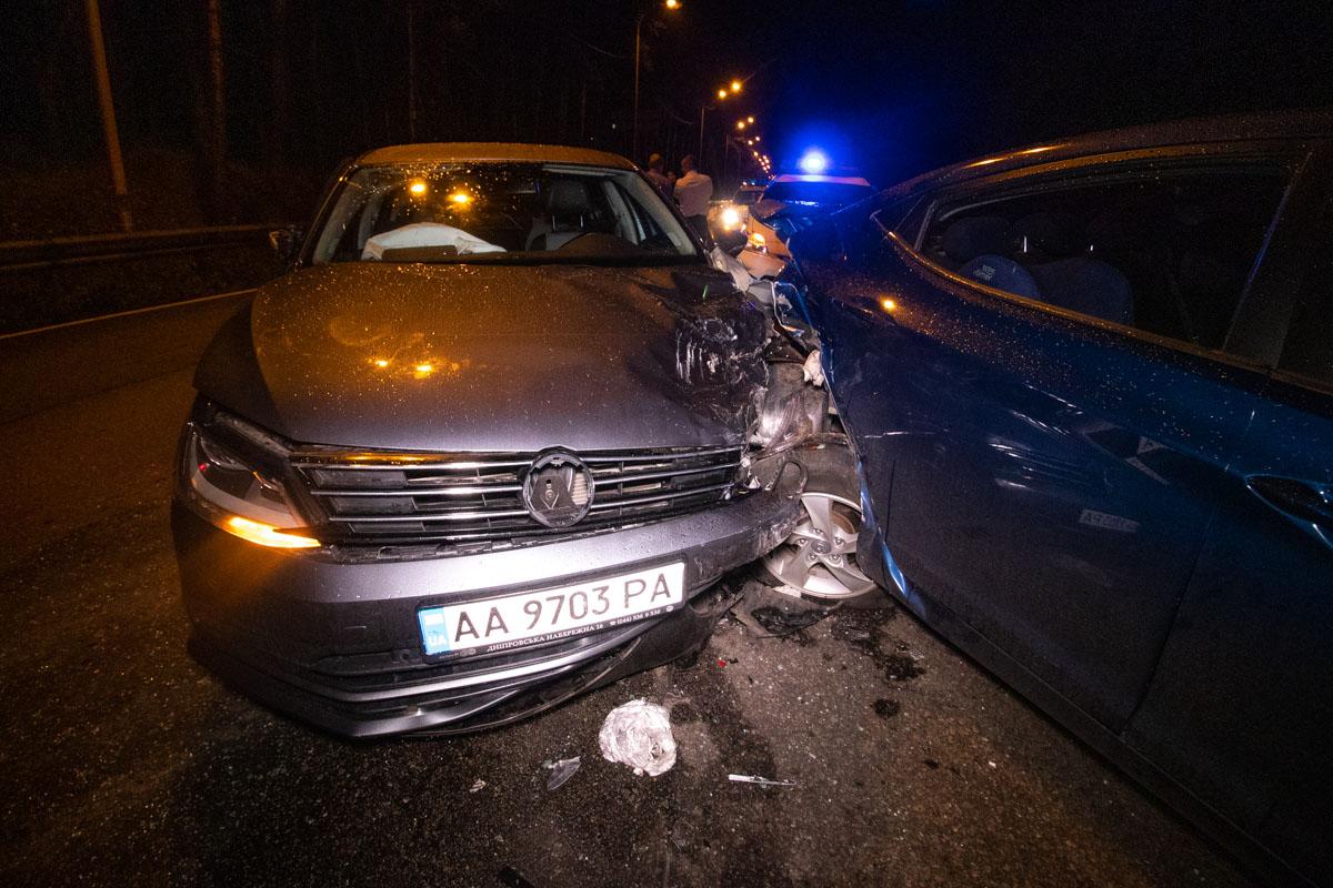 Автомобили раскидало по проезжей части