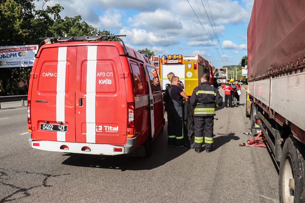 Водитель фуры Renault погиб под прицепом грузовика