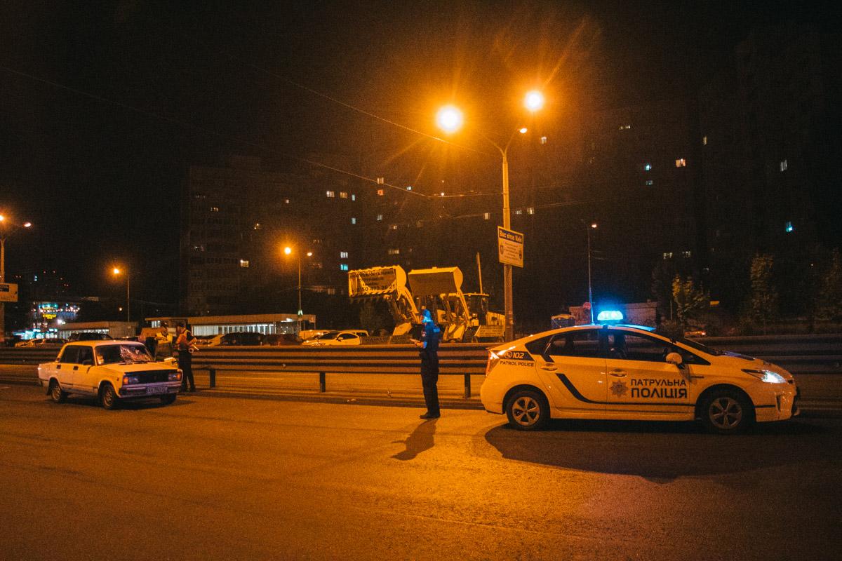 В Киеве на проспекте Глушкова ВАЗ сбил пешехода