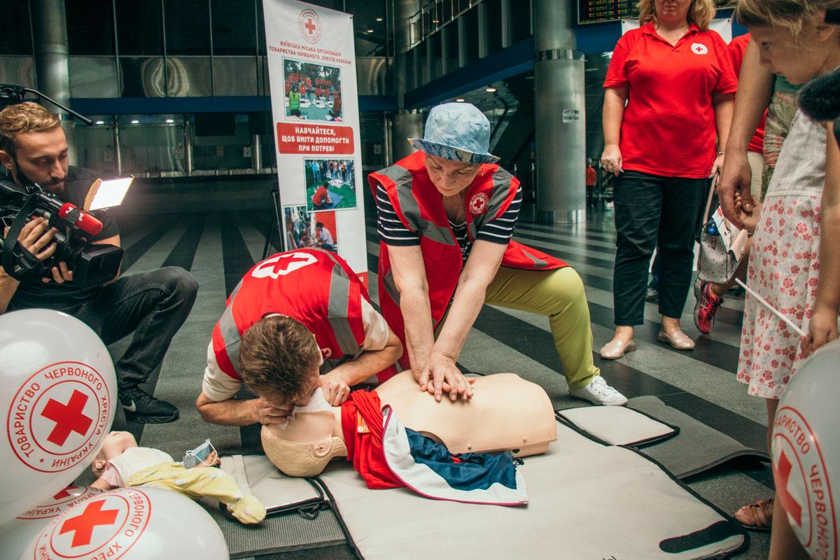 На четырех локациях прошли мастер-классы по оказанию первой помощи и другие просветительские мероприятия