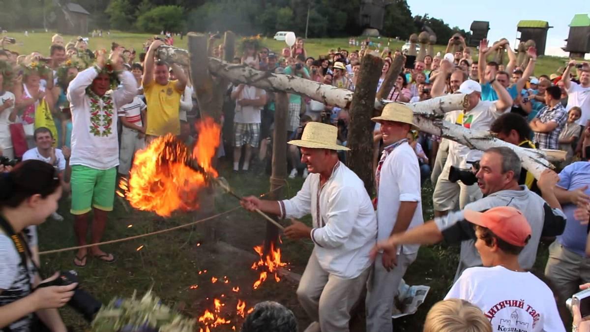 Иванов день будет наполнен старинными купальськими обрядами на воде с венками, кострами и травами
