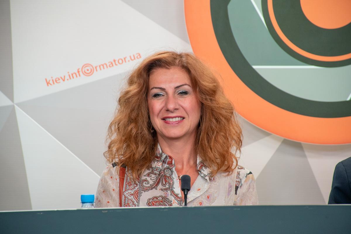 Генеральный директор клиники Liv Hospital Мэри Истироти