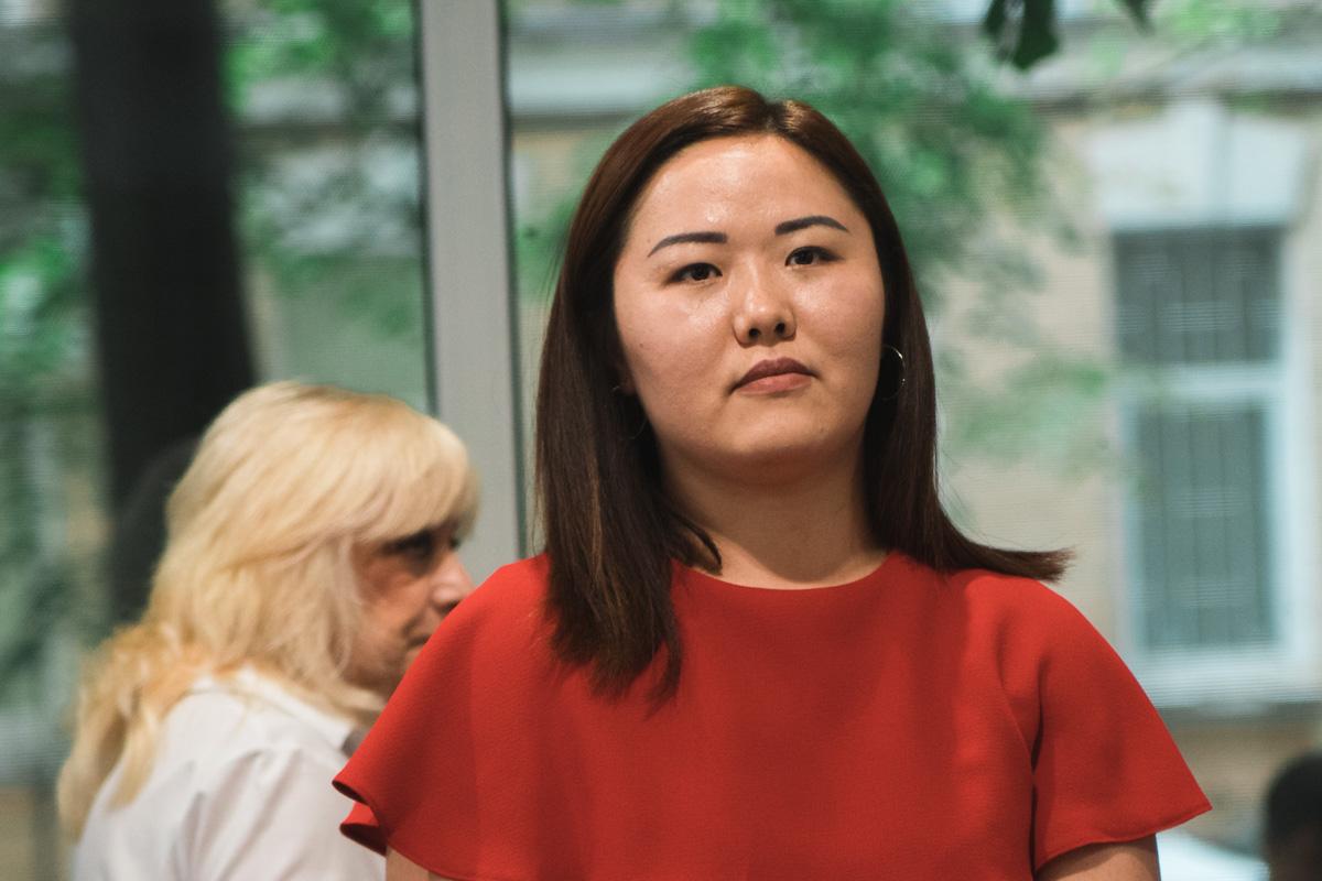 Специалист международного отдела Бахтыгуль Кимсон отметила, что на данный момент клиника делает все, чтобы ее услуги были доступны каждому