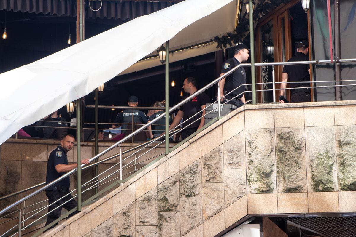 """3 июля в самом центре Киева, в """"Арена Сити"""", произошла драка с поножовщиной"""