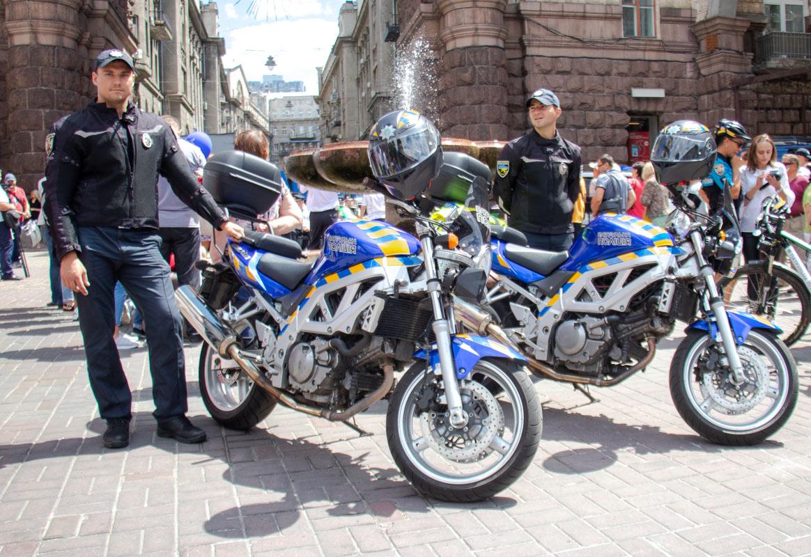 Мото-полиция появилась на улицах Киева год назад