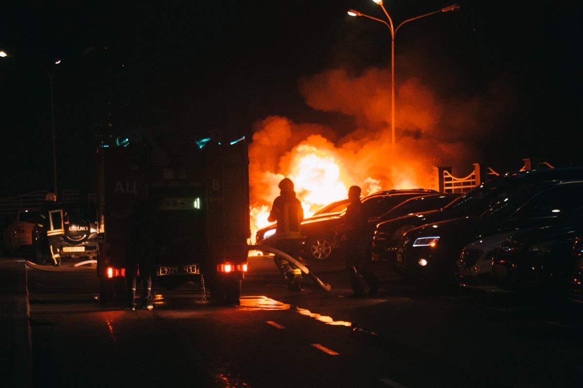 В ночь на 15 июля в Киеве по адресу улицаМихаила Драгомирова, 2а произошел пожар