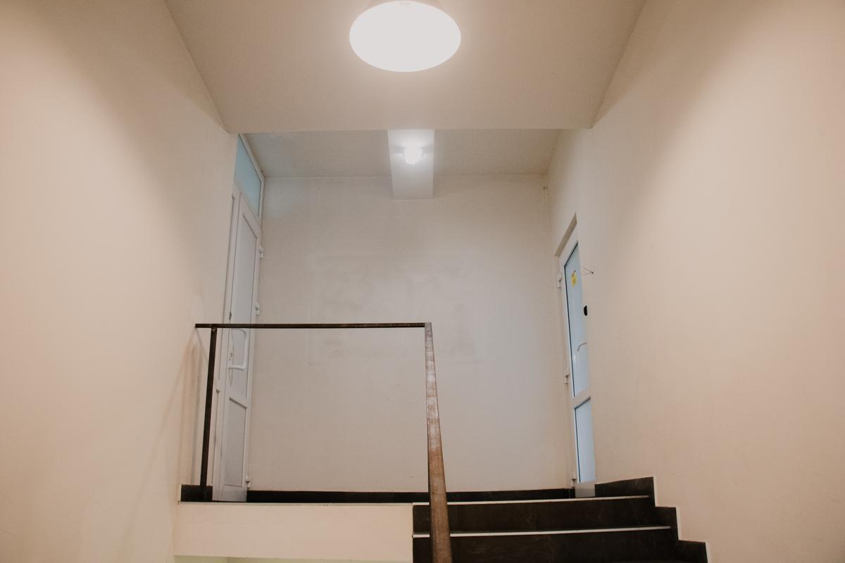 Закрытые двери офиса Glovo