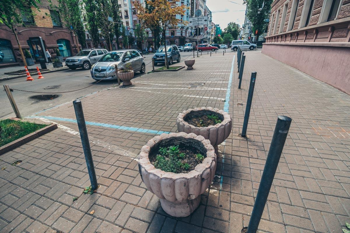 В Киеве реконструируют улицу Пушкинскую
