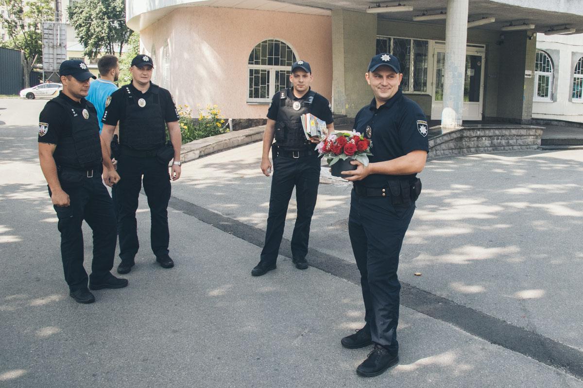 Экипаж патрульной полиции, который помог роженице вовремя добраться до роддома