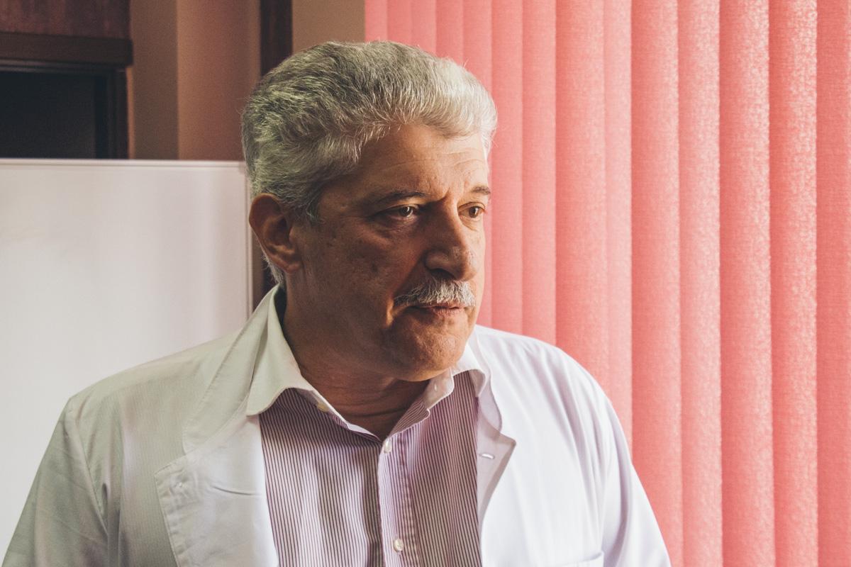 Главный врач роддома Дмитрий Говсеев отметил вклад полицейских