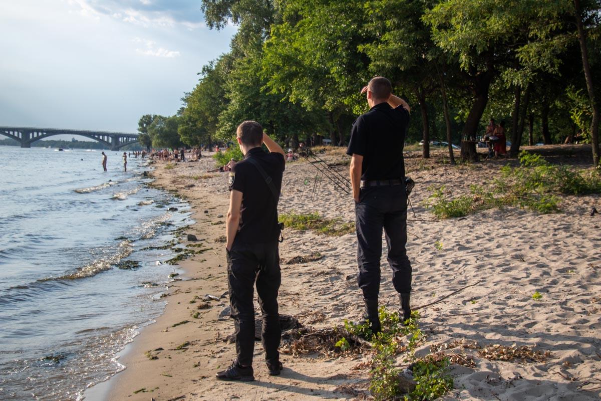 По информации от правоохранителей, погибшим оказался пропавший ранее турист из Бельгии