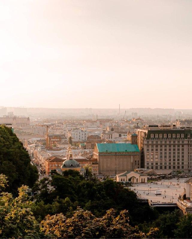 Такой теплый и любимый Киев от @p_belskyi