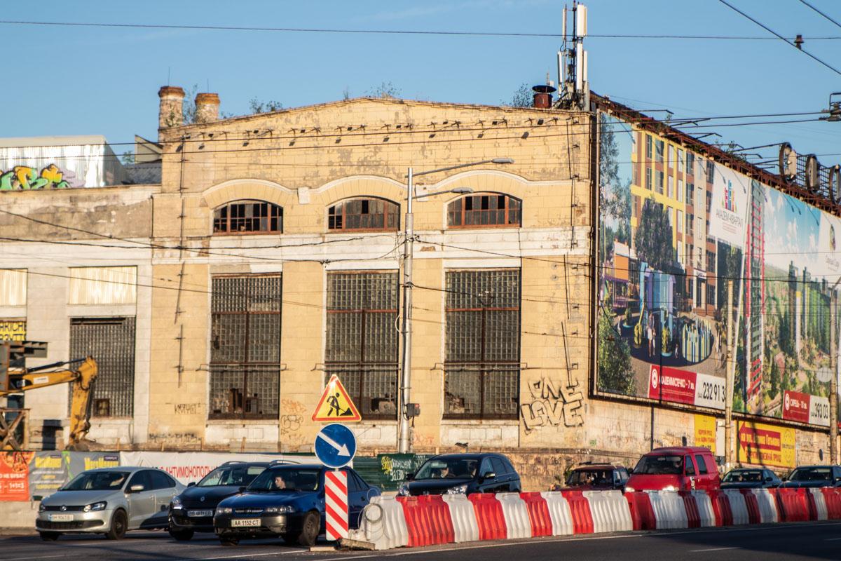 Торможение вопроса о сносе пятого цеха завода «Большевик» может помешать строительству Шулявского путепровода
