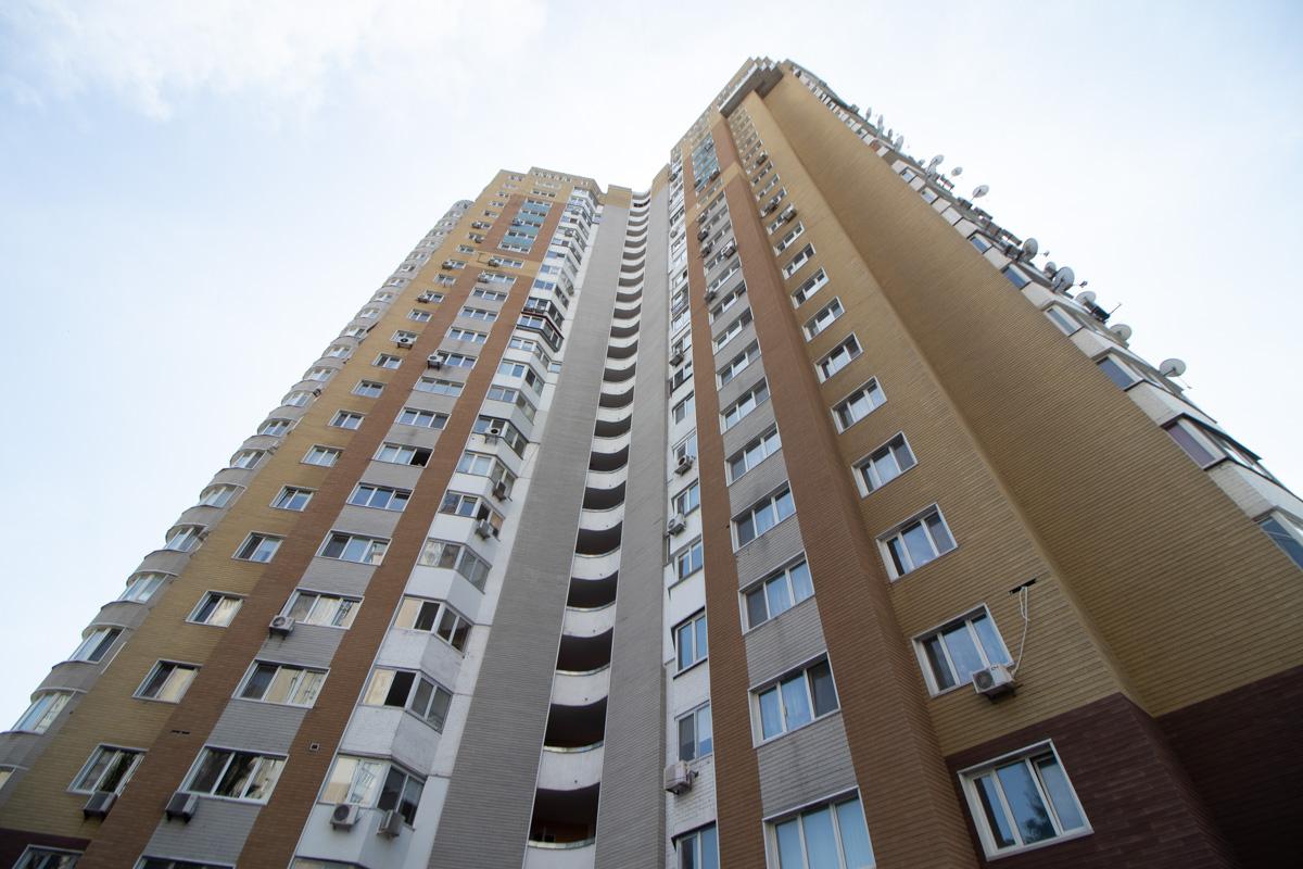 Преступники отправились в квартиру по адресу улица Евгения Сверстюка, 52в