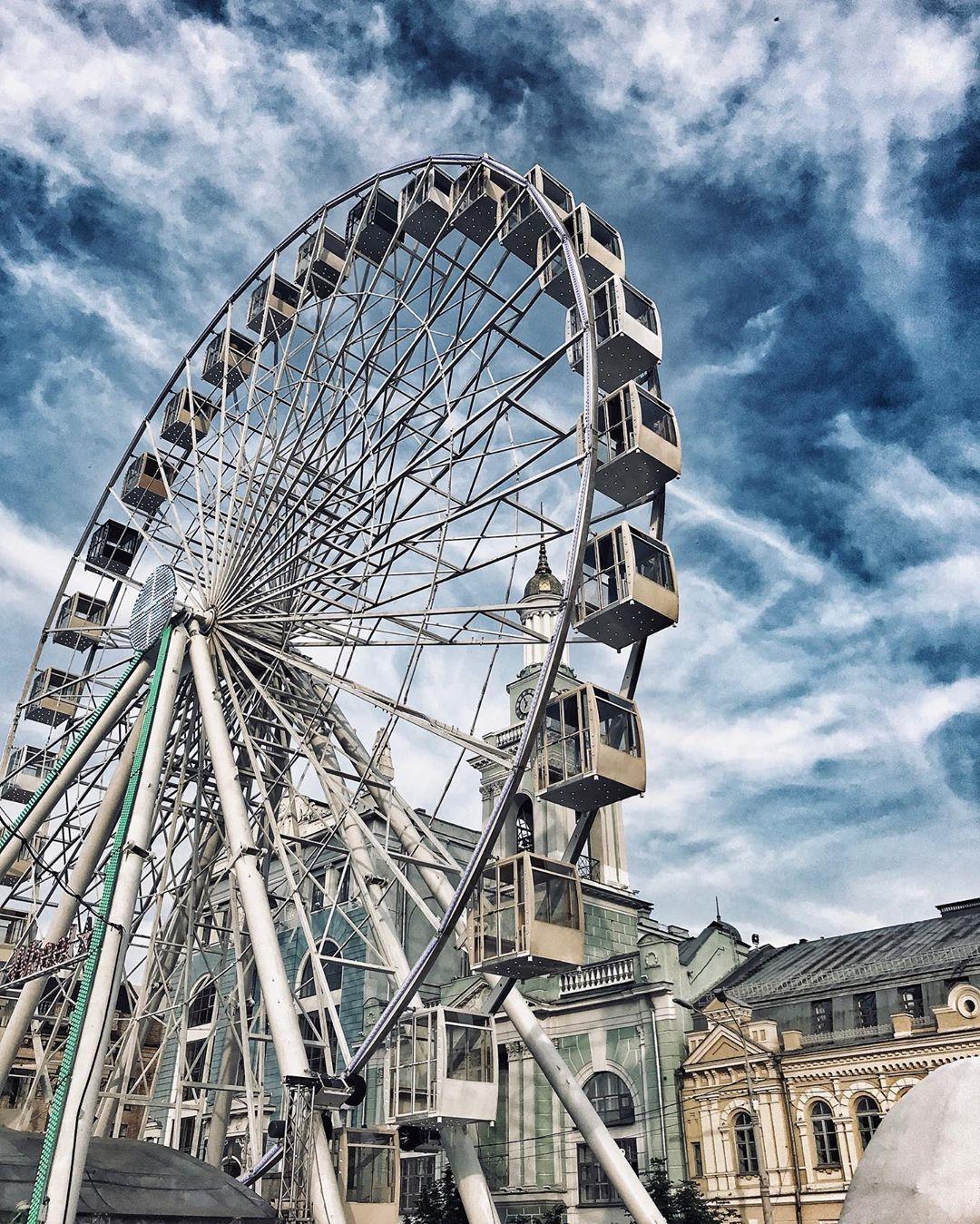С появлением колеса обозрения Подол стал еще более живописным. Фото: @kornaukhov_andrii
