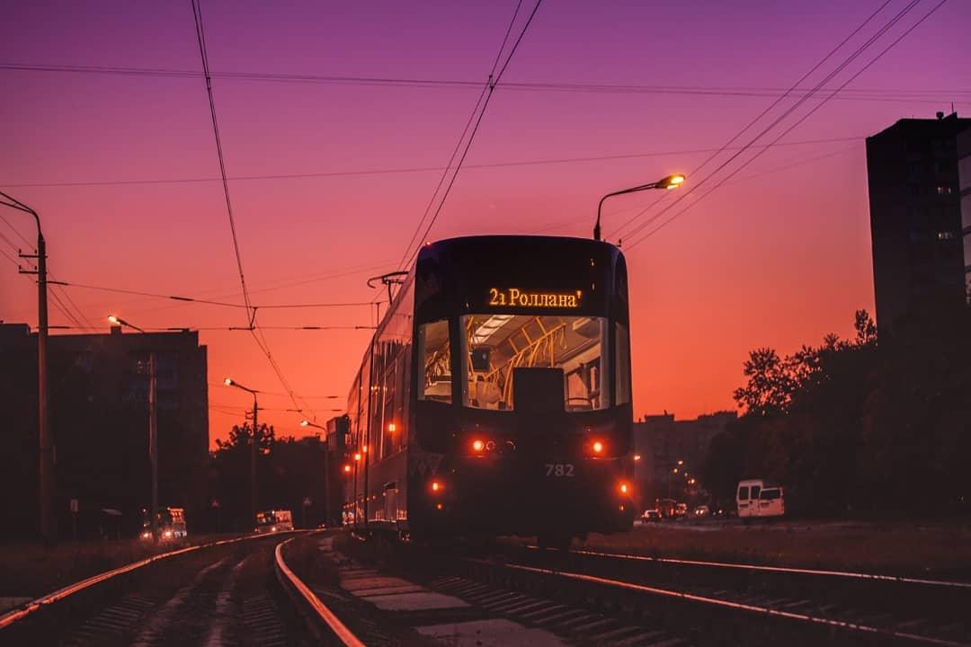 Закаты в Киеве - любовь. Фото: @kv4dromax