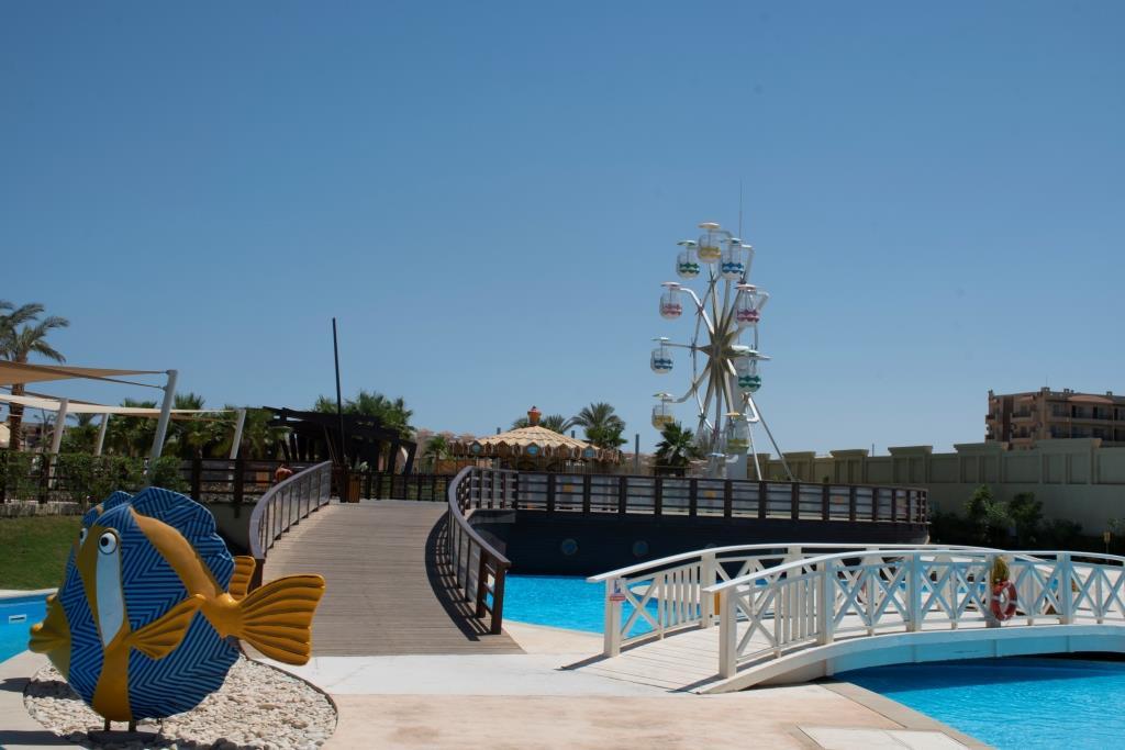 Красочный аквапарк - бесплатный для гостей сети Rixos