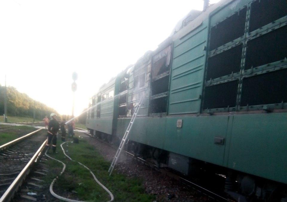 Огонь уничтожил блок силовых агрегатов локомотива, но никто не пострадал