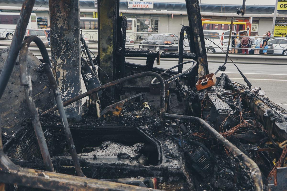 Перед возгоранием водитель услышал хлопок, похожий на взрыв