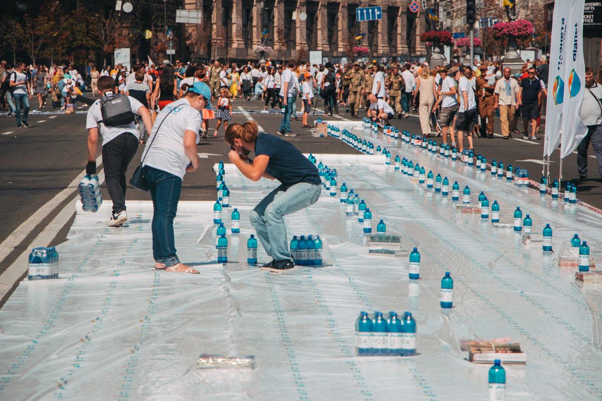 На Крещатике создали огромную карту желаний и побили мировой рекорд