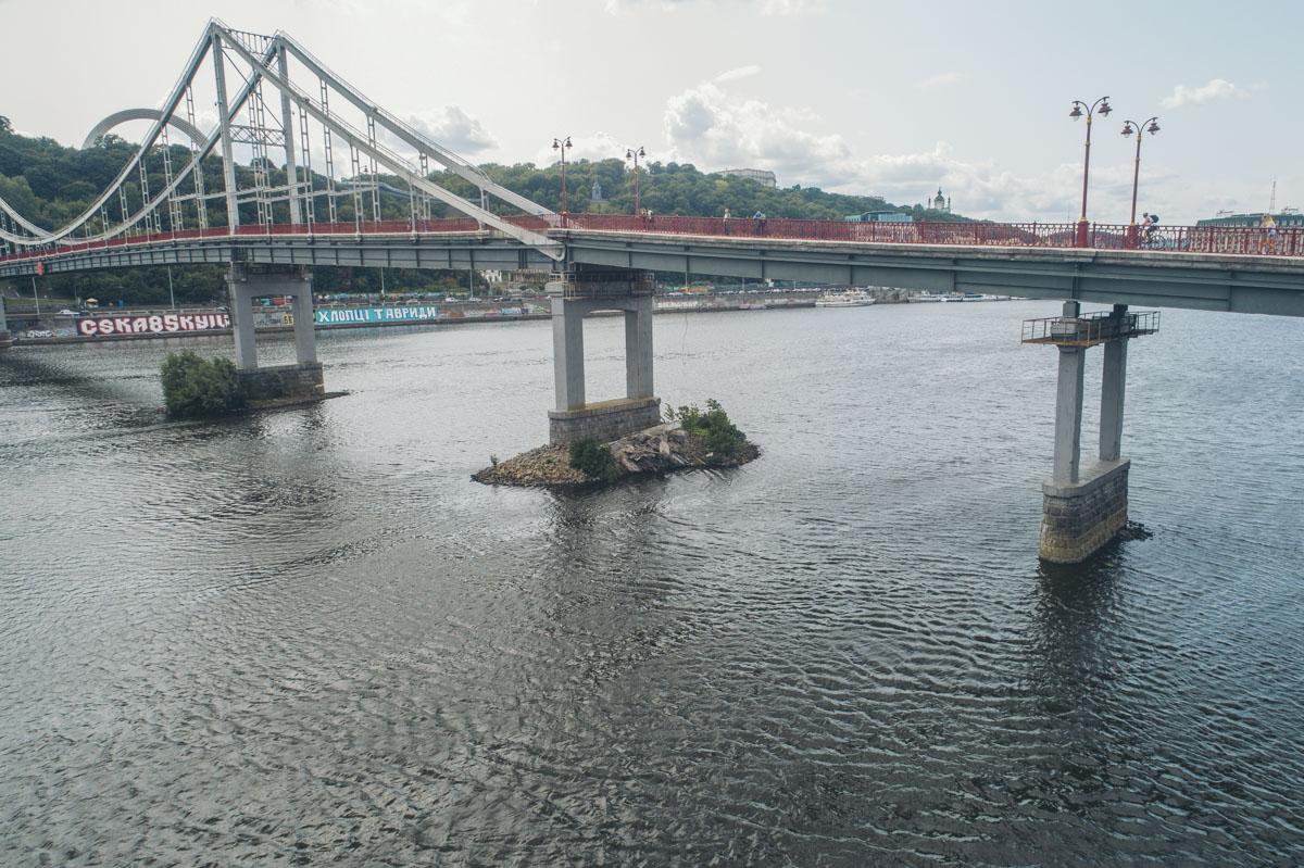 В Киеве снова рушатся мосты