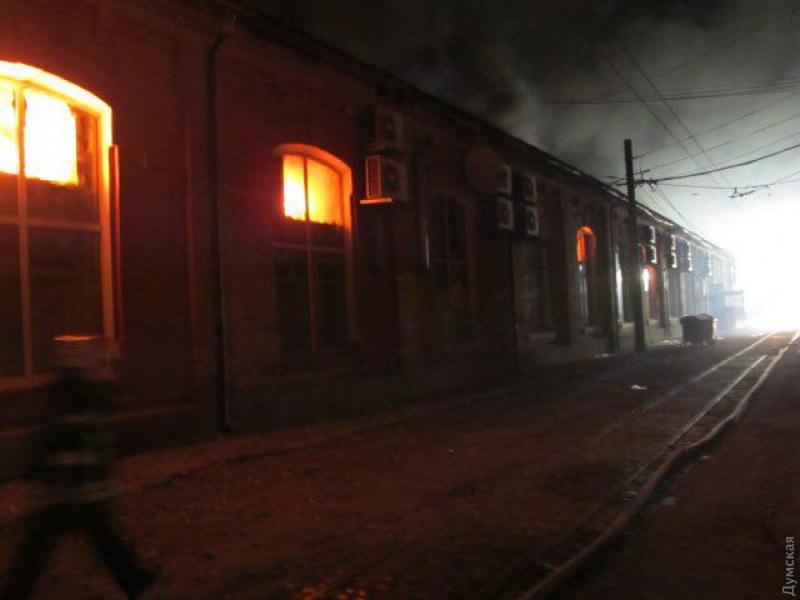 По предварительной информации, в огне погибли восемь человек