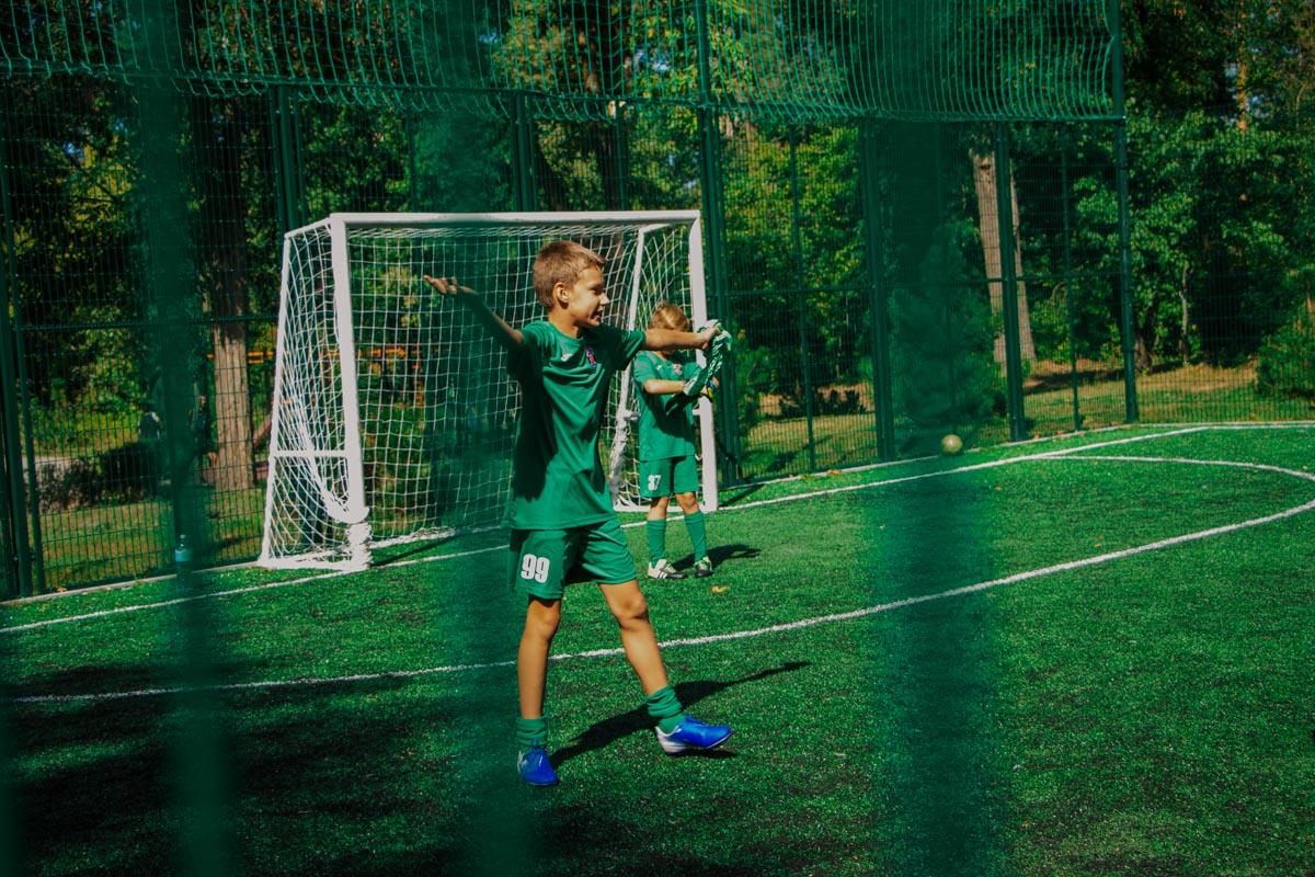 """Кроме мест для прогулок """"Пуща-Водица"""" может предложить и места для занятий спортом. А в дальнейшем таких мест должно стать еще больше"""