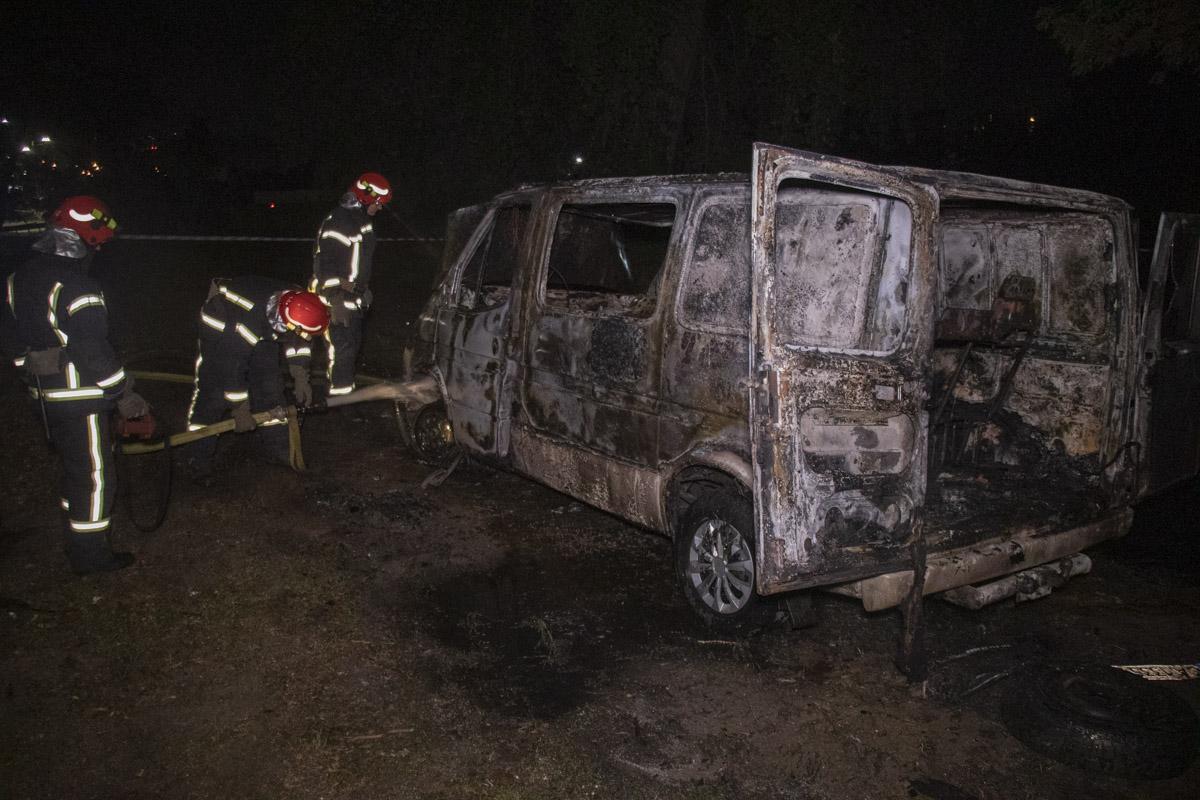 На ликвидацию возгорания были направлены спасатели