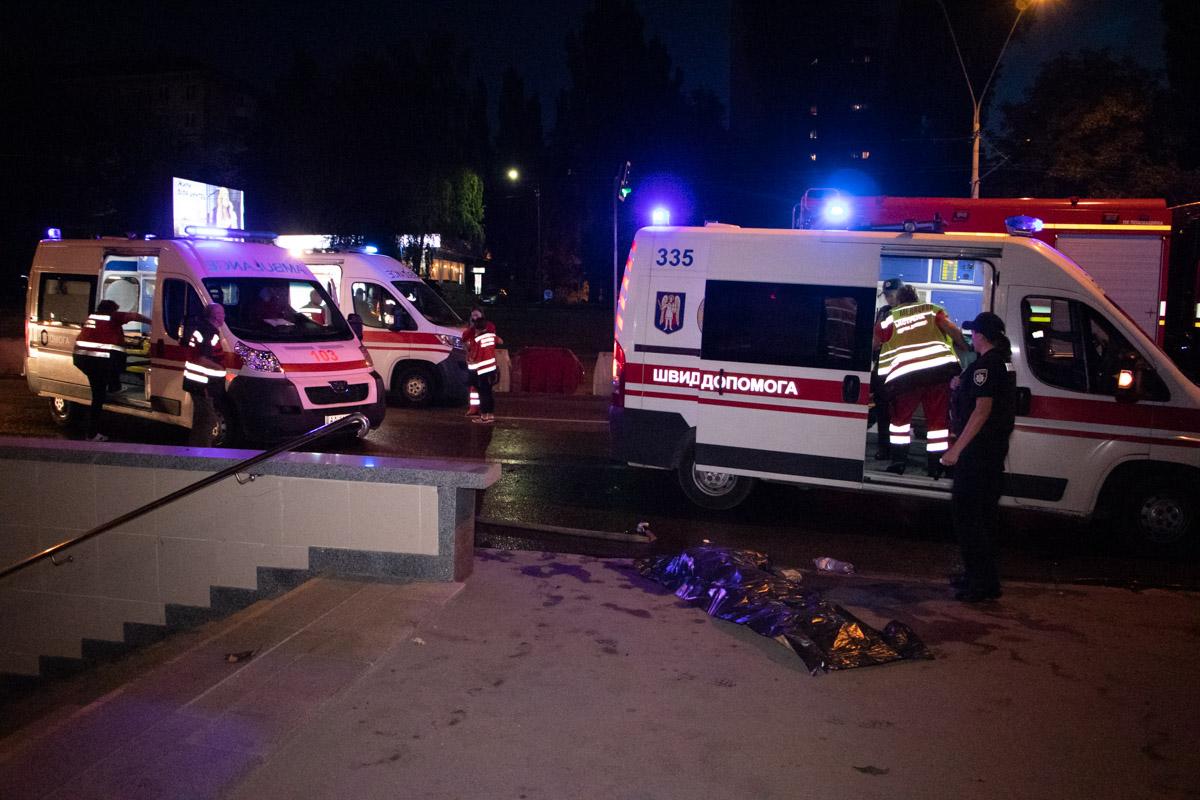 В результате аварии погибла девушка, еще двое парней пострадали