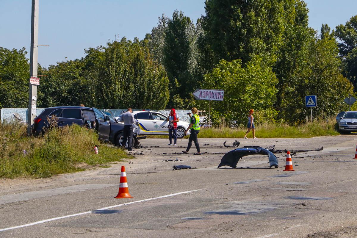 На 43-м километре трассы Киев-Сумы столкнулись Chevrolet Aveo и Audi Q5