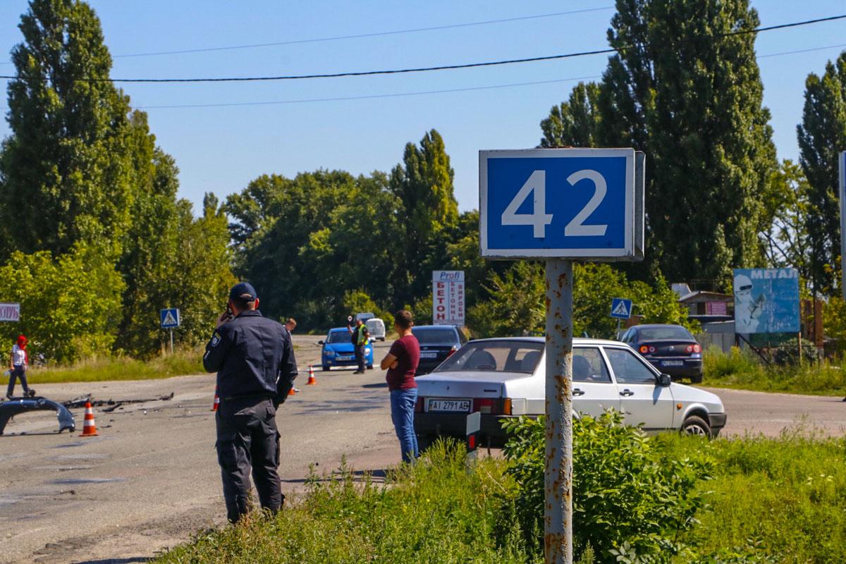 От полученных травм 7-летняя девочка и мужчина 1982 года рождения скончались на месте