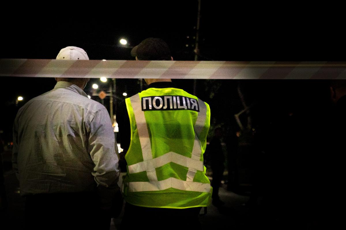 На месте работала следственно-оперативная группа, патрульные, спасатели и медики