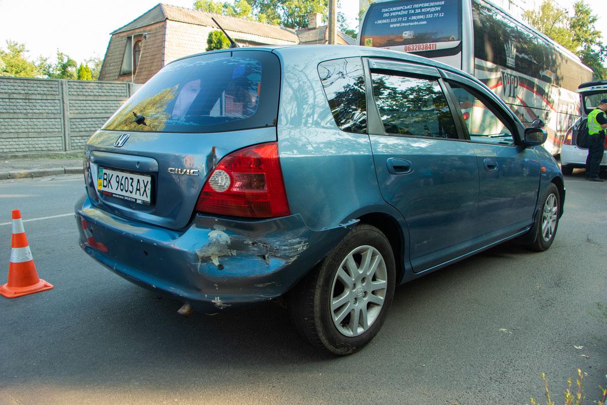 За 300 метров езды горе-водитель повредил четыре автомобиля