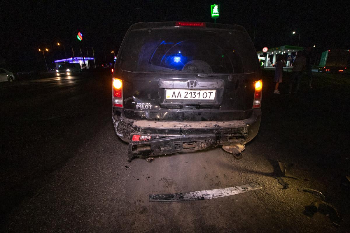 Водитель и пассажиркаHonda серьезных травм не получили