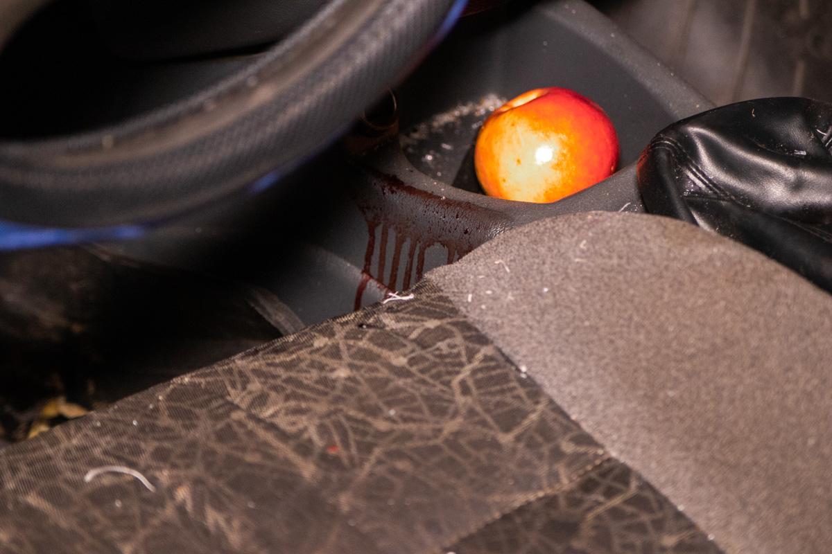 Водитель Lanos не был пристегнут и сильно ударился грудью об руль, а головой о лобовое стекло