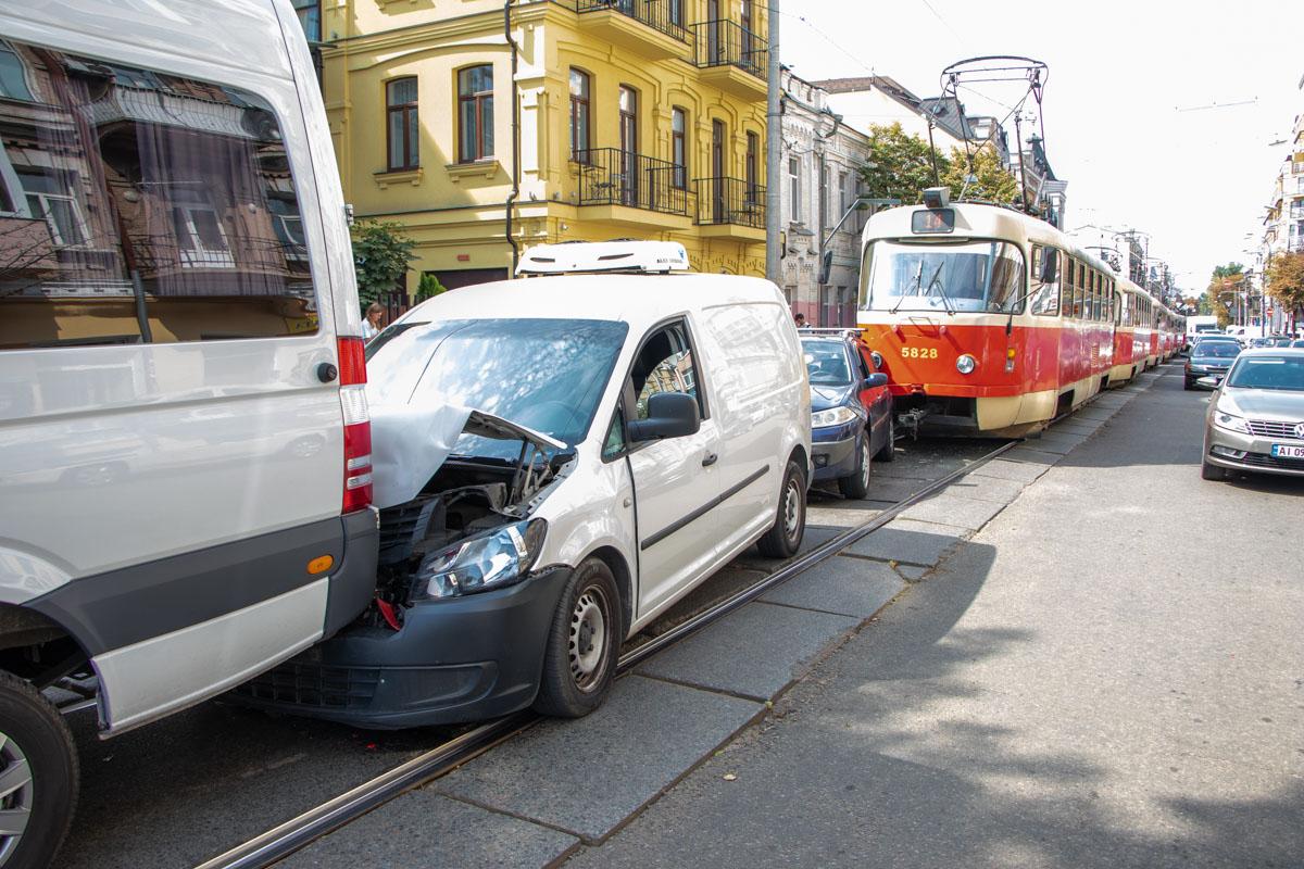 Пострадали Renault Megane, Volkswagen Caddy и Mercedes Sprinter
