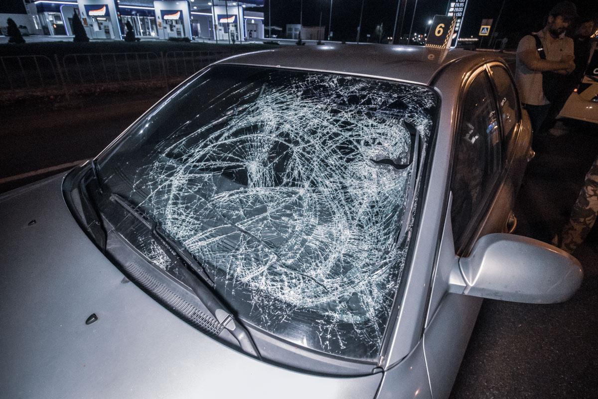 На Столичном шоссе произошла авария с участием пешехода и автомобиля Kia