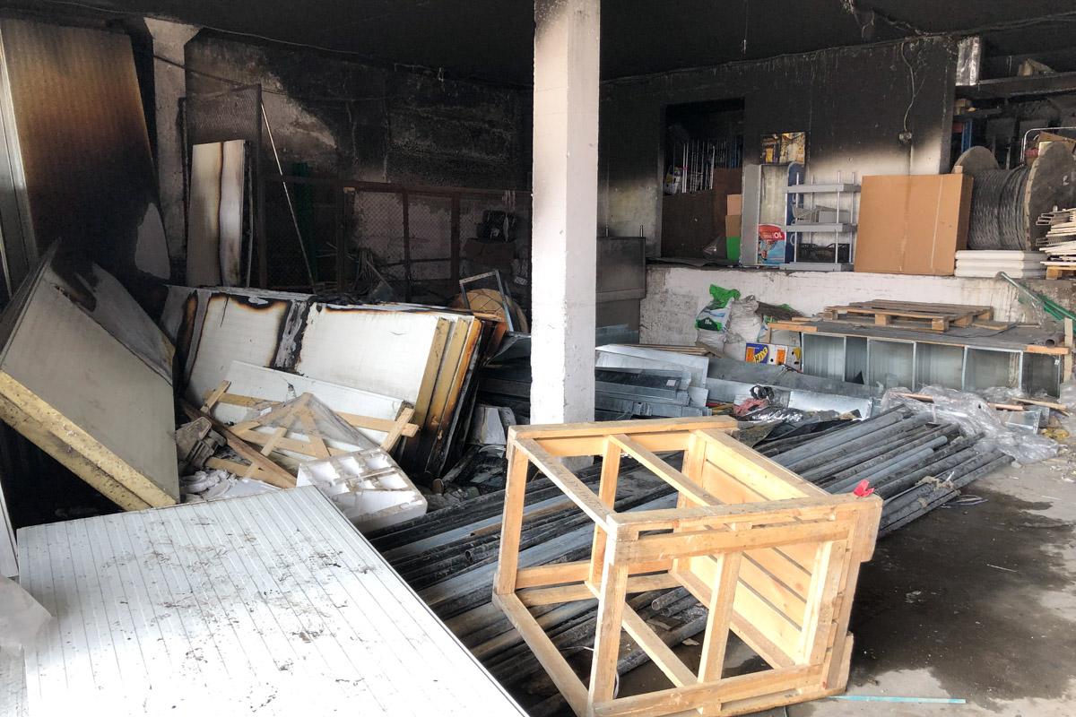 Дым распространился по вентиляции из подвального помещения