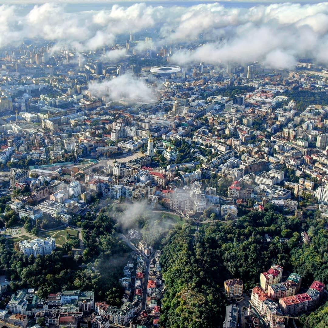 А завершим сегодняшнюю подборку красоты от вас таким снимком, на котором отлично видно - Киев красив, откуда ни посмотри. Фото от @mavicprophone